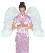 Asiat Engel mit weißen Flügeln