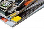 Haufen von Zeitschriften
