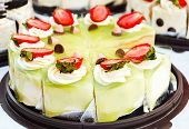 Pandan And Strawberry Cake