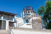 foto of masjid  - Dhai Seedi Ki Masjid is one of the smallest mosques in the world Bhopal India - JPG