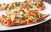 thin crust vegetarian pizza