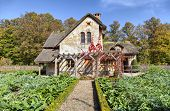 picture of versaille  - House of gardener in Marie - JPG
