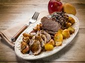 roast  with potatoes and apple