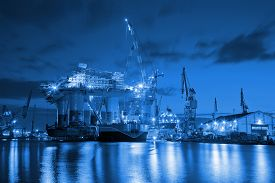 picture of shipyard  - Oil Rig at night in Shipyard  - JPG