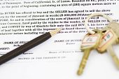 foto of deed  - Time to sign the deed of sale document - JPG