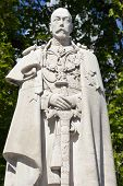 King George V Statue In London