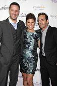 LOS ANGELES - NOV 4:  Brady Smith, Tiffani Thiessen, Luke Perry at the Hallmark Channel's