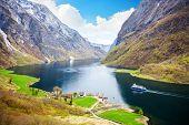 pic of fjord  - Naeroyfjord  - JPG