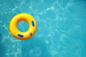 pic of bathing  - Yellow pool float - JPG