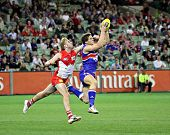 MELBOURNE - SEPTEMBER 12: Will Minson takes a strong mark in the AFL second semi final - Western Bul