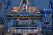 The world biggest passanger ship ( The Freedom Of The Seas) in Hamburg, germany.