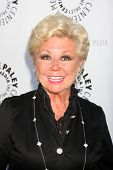 LOS ANGELES - JUN 7:  Mitzi Gaynor arrivimg at the Debbie Reynolds Hollywood Memorabilia Collection