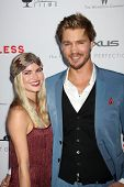 LOS ANGELES - AUG 22: Kenzie Dalton, kommt Chad Michael Murray in der