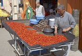 Selling Tomatoes
