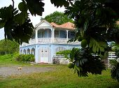 image of slave-house  - One of the many great houses in Jamaica - JPG