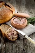 Pate' de campagne con pan casero