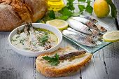 sardines under olive oil and slice bread