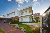 Großes modernes Haus