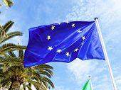 Bandeira da União Europeia, a foto do símbolo para a parceria, política externa, diplomacia