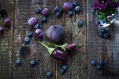 image of aubergines  - Purple color in vegetables  - JPG