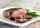 sirloin steak with green beans