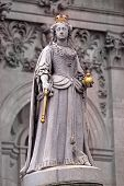 foto of sceptre  - Statue of Queen Anne in front of St Paul - JPG