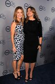 LOS ANGELES - JUL-24: Sasha Alexander, Lorraine Bracco kommt bei TNT 25th Anniversary Party im t