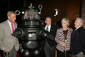 LOS ANGELES - NOVEMBER 8: Richard Anderson, Robby The Robot, Earl Holliman, Anne Francis, Warren Stevens at the Screening of