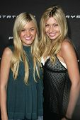 LOS ANGELES - OCTOBER 08: Amanda Michalka and Alyson Michalka at the Playstation 3 Launch Party October 08, 2006 in 9900 Wilshire Blvd, Beverly Hills, CA.