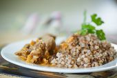 Buckwheat Cooked With Stewed Chicken Gizzards