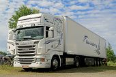 White Scania Super R440 Semi Truck