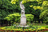 Angel statue,  jardin du luxembourg