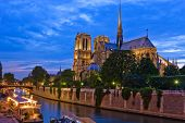 pic of notre dame  - Notre Dame de Paris at night - JPG
