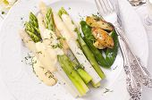 Asparagus with potato and sauce hollandaise