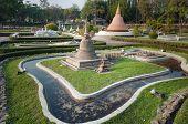 Wat Sa Sri In Mini Siam Park