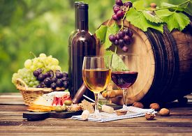 picture of wine grapes  - Red and white wine in the glass with cheese - JPG