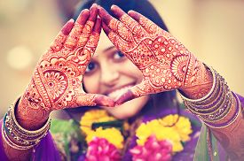 picture of indian  - Indian   henna wedding design - JPG