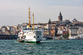 foto of passenger ship  - Panorama of Istanbul and the Bosporus with the ship in the foreground - JPG