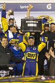 DAYTONA BEACH, FL - FEB 28:  Matt Kenseth wins the the Daytona 500 at the Daytona International Spee