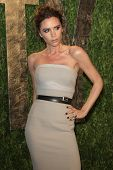 LOS ANGELES - 26 FEB: Victoria Beckham arriveert op de 2012 Vanity Fair Oscar Party in de zonsondergang T