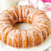 Pumpkin Bundt Cake With Sugar Icing