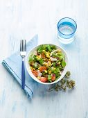 chicken salad with tomatoes and dried grapes