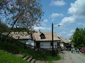 Holloko Entrance