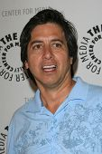 THOUSAND OAKS - 11 de JUN: Ray Romano, en el centro de Paley Media anual quinto Celebrity Golf Classic