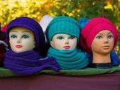 Artifical women's heads with hats