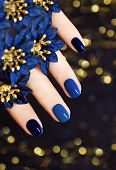 Blue lacquer .