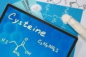 Tablet with the chemical formula of Cysteine