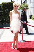 Los Angeles aug 21: Chelsea Staub an der 62. Primetime creative Arts Emmy bei den Nokia Awards die