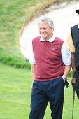 PALOS VERDES - 29 de APR: Michael Douglas en el 9 º anual Michael Douglas y amigos Celebrity Golf