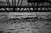 Wasser unter Gang Plank